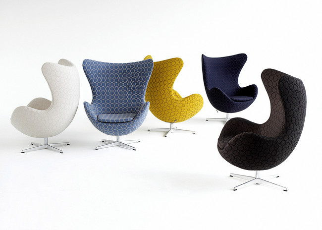 Egg, model 3316 designed by Arne Jacobsen in 1958. Upholstered with fabric by Japanese designer Minagawa