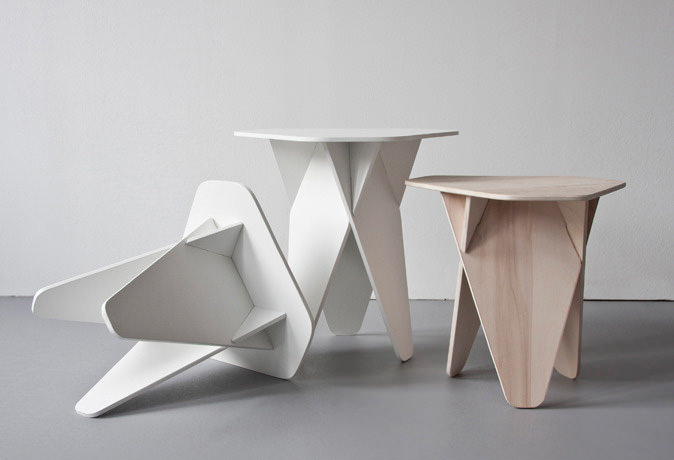 Wedge Side Table par le designer http://www.andreaskowalewski.com/